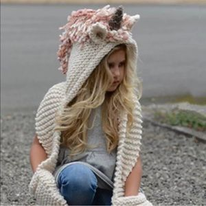 ADORABLE NWT UNICORN knitted scarf (kids or adult)